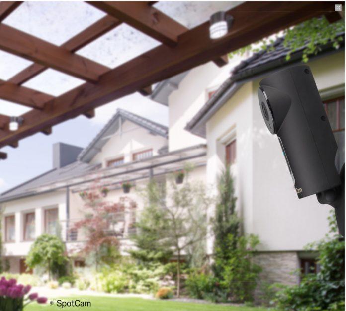 Die SpotCam Sense für den Indoor- und Outdoor-Einsatz mit Cloud-Speicher, Bedienungs-Software, Nachtsicht- und Gegensprechfunktion.