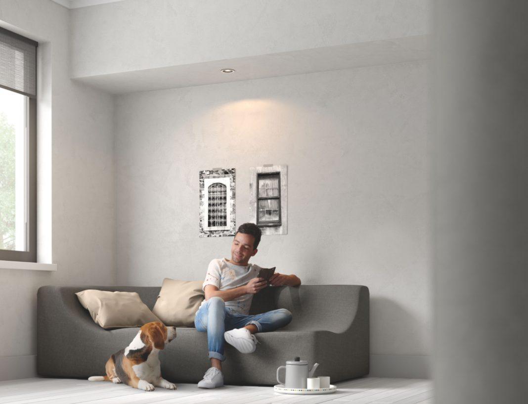 Mit den smarten Einbauspots Hue Milliskin lässt sich die Beleuchtung flexibel anpassen – je nach Situation, Stimmung oder Tätigkeit.