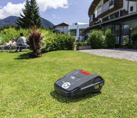 Innogy SmartHome bindet die neue Generation der Mähroboterserie Robolinho von AL-KO ein. © obs/Innogy SE/AL-KO