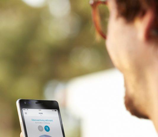 Die Somfy Außenkamera lässt sich für einen perfekten Rundumschutz ins Smart Home-Komplettsystem Somfy TaHoma einbinden.